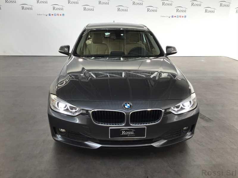 BMW 320d touring xdrive Modern