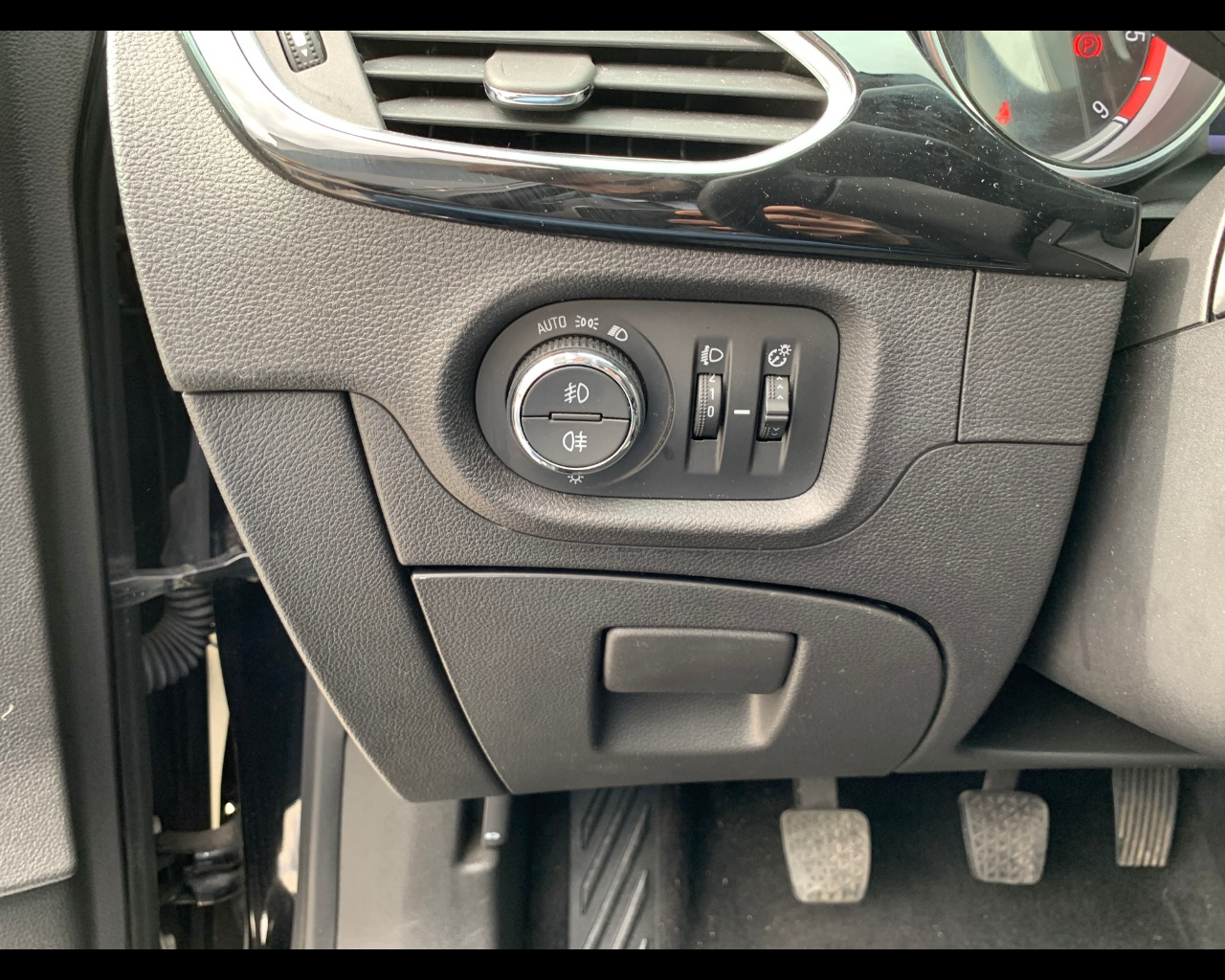 Foto OPEL Astra Sports Tourer 1.6 cdti Innovation s&s 136cv
