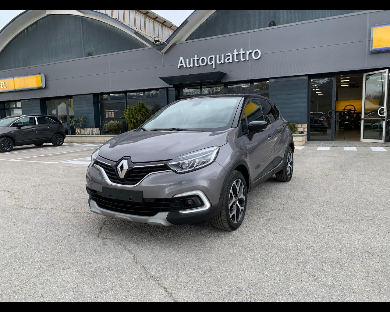 Renault Captur 0.9 tce Intens 90cv usata