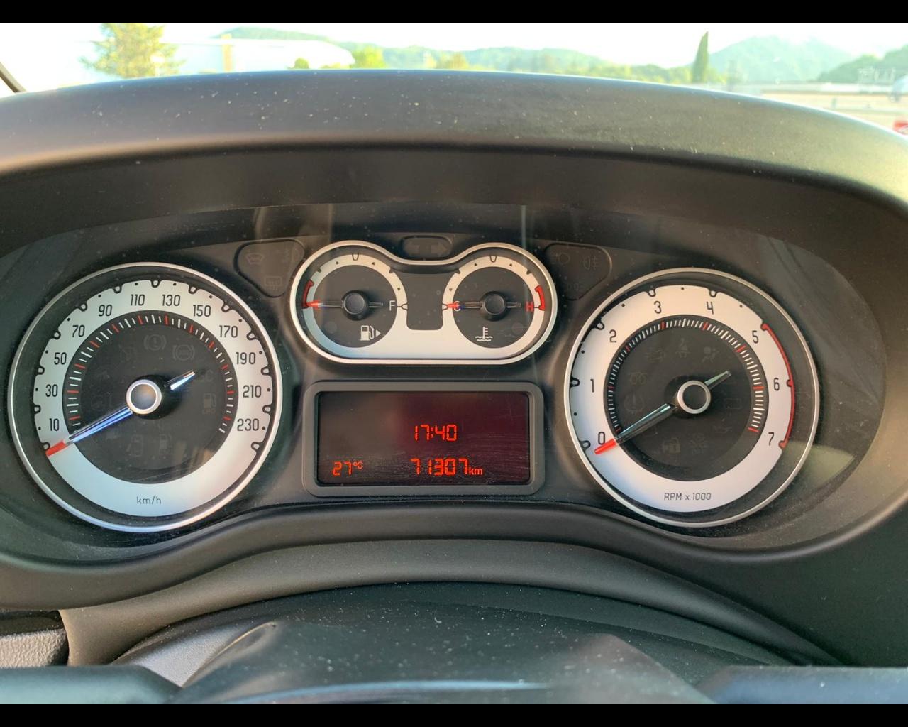 Foto FIAT 500L 1.3 mjt Trekking 95cv