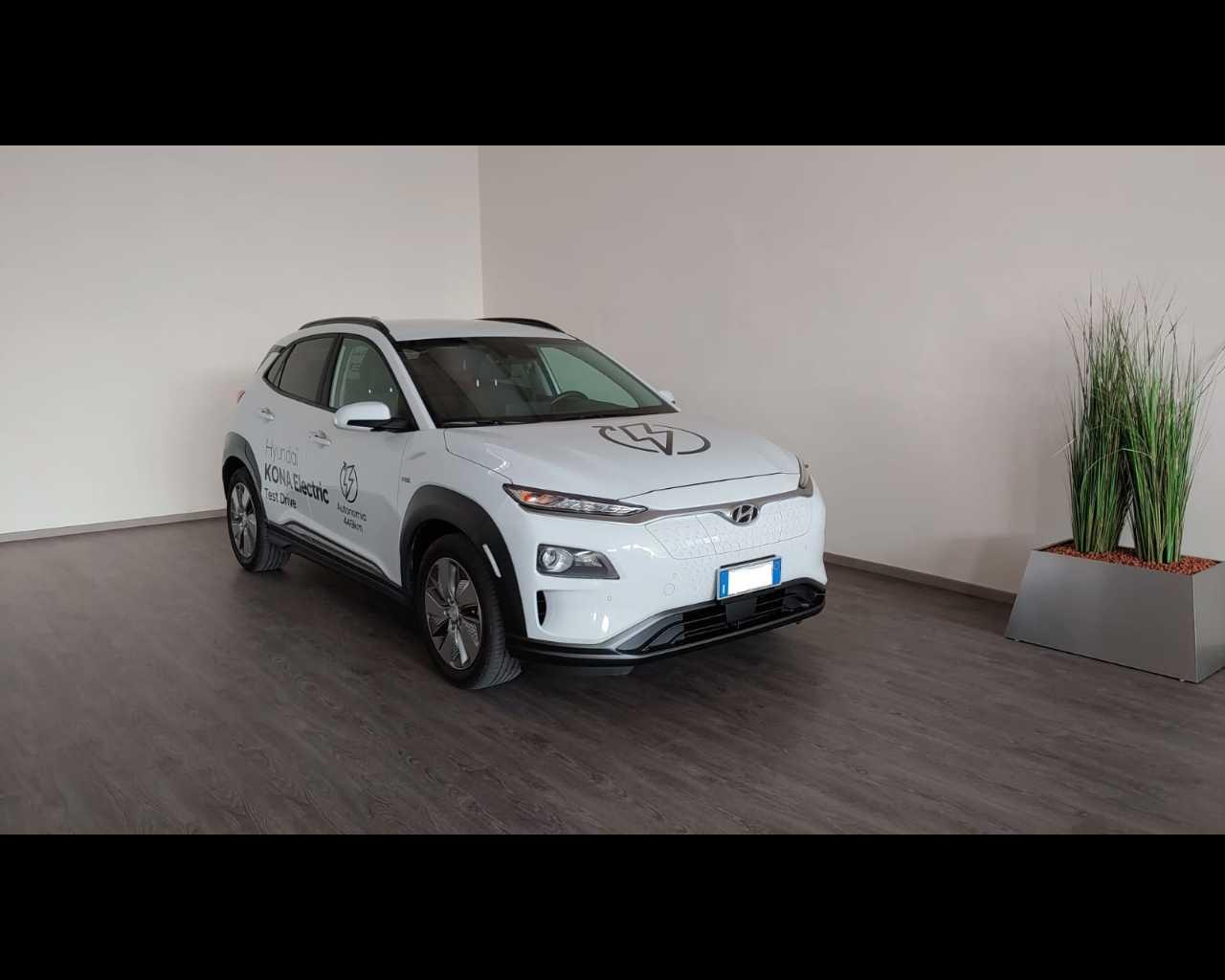HYUNDAI  Kona 64 kWh EV Exellence, Elettrica, €34.900 - Kona Electric 2018 - Kona 64 Kwh Ev Exellence